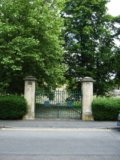 Shrewsbury Hospital Gates, Norfolk Road