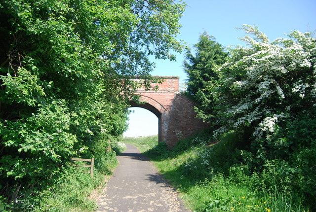 Bridge across the old railway, Swan Farm