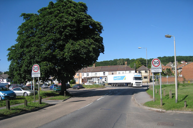 Lorry on Mini-Roundabout