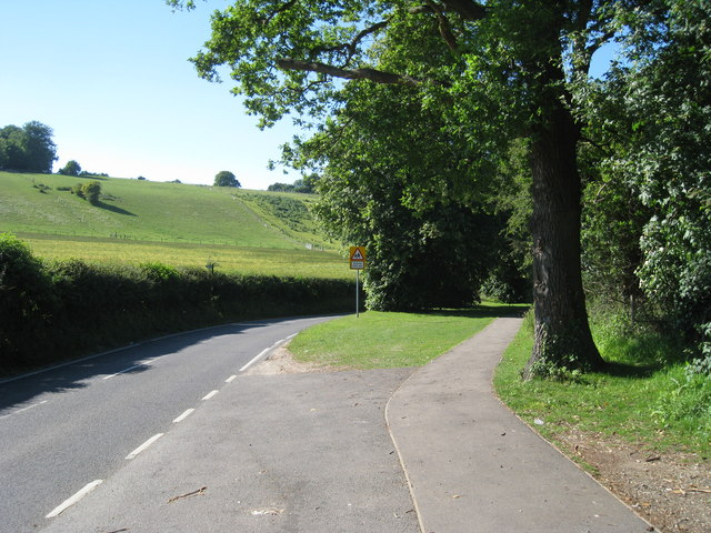 Footpath along Valley Road