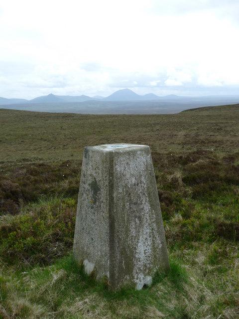 Triangulation pillar, Cnocan Conachreag