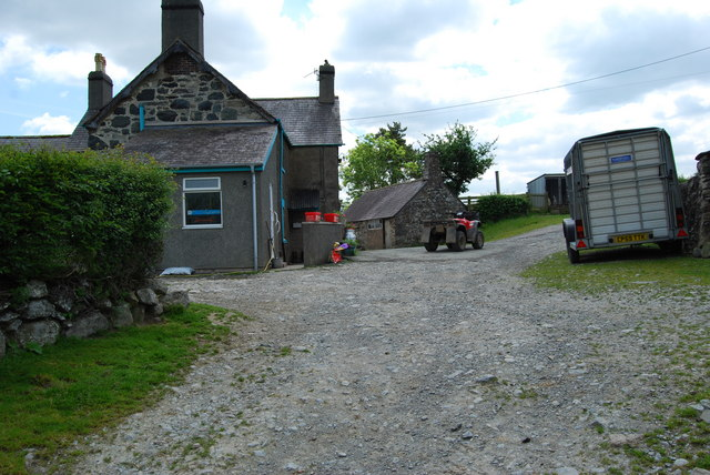 Farmhouse at Ty'n-y-celyn
