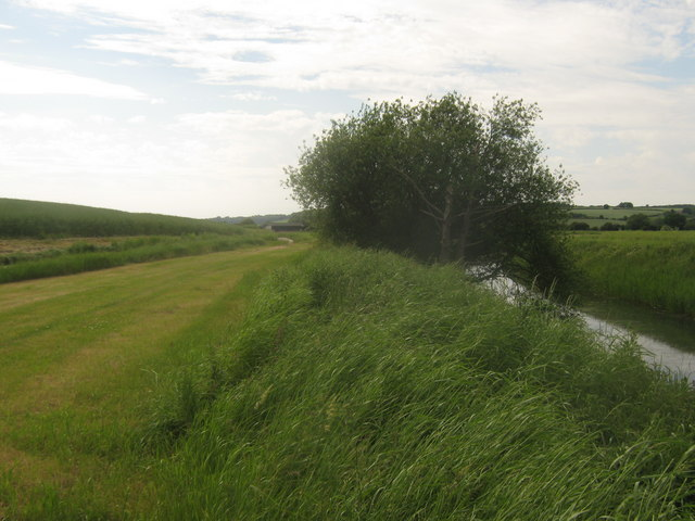 Bridleway beside the Reading Sewer