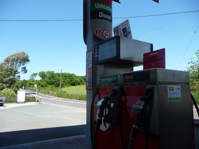 South Hams : Chittleburn Hill & Texaco Petrol Pump
