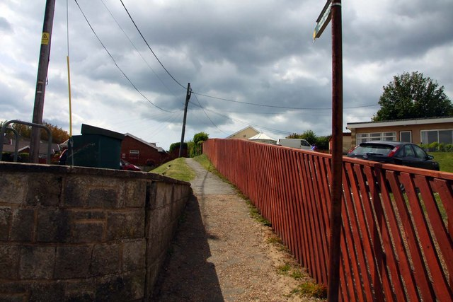 Footpath to Totland
