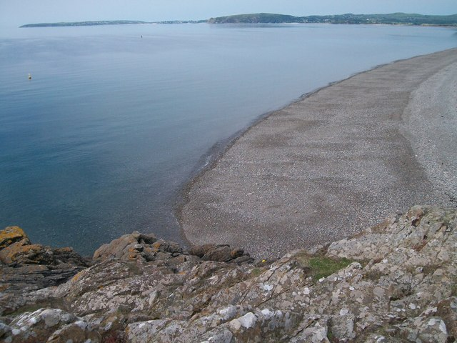 Shingle beach west of Carreg yr Imbill