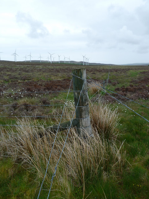 Fence on moorland near Houstry