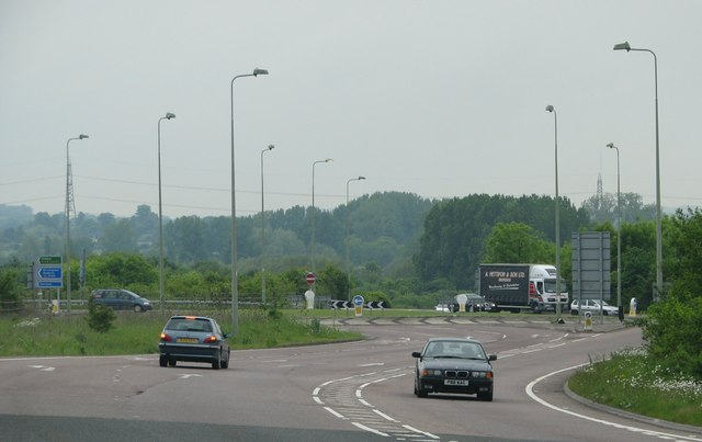 A418 roundabout above the A40