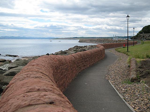 Sea wall, Dysart