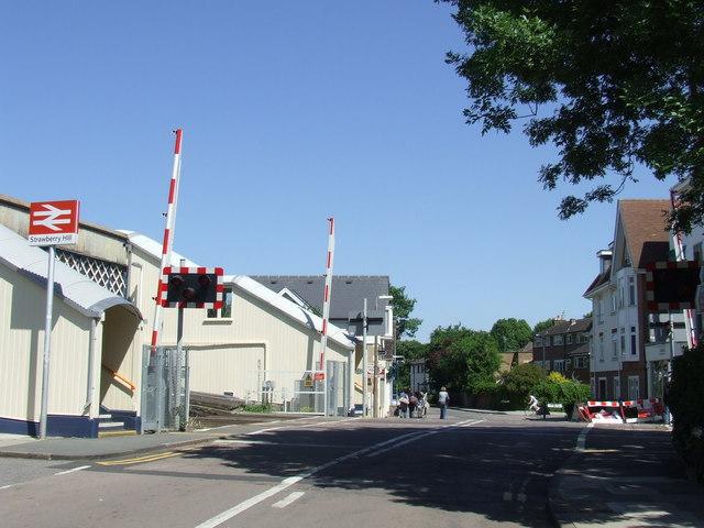 Strawberry Hill level crossing