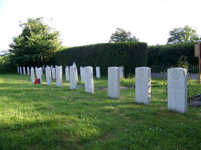 War graves, The Church of St Editha