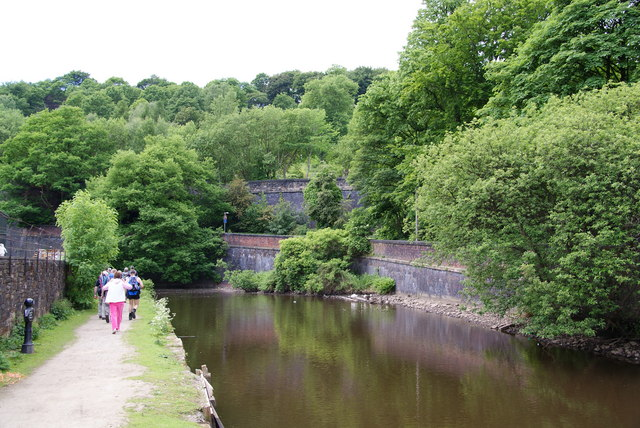 Retaining walls on the Rochdale Canal