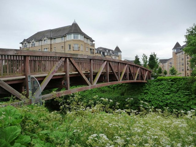 New footbridge across the Water of Leith