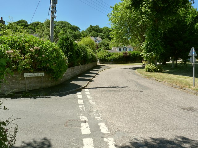 Scurfield Close leading off from the road to Georgeham