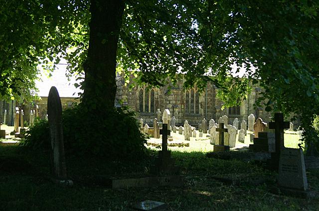 Whitchurch: churchyard