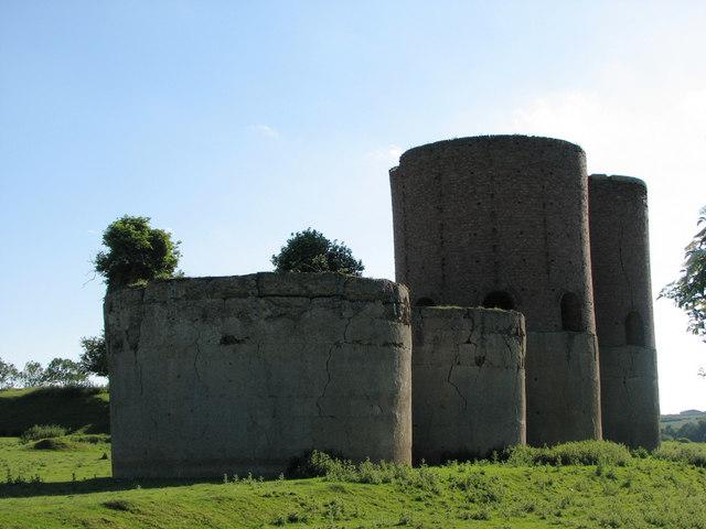 Wakerley: remains of ironstone quarry calcining kilns