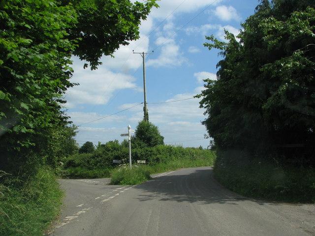 Road junction by Haddons Farm