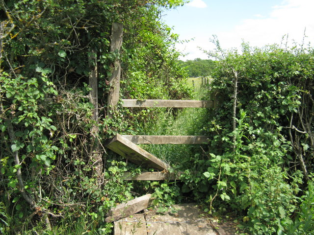 Stile damage just off the Plaistow Road