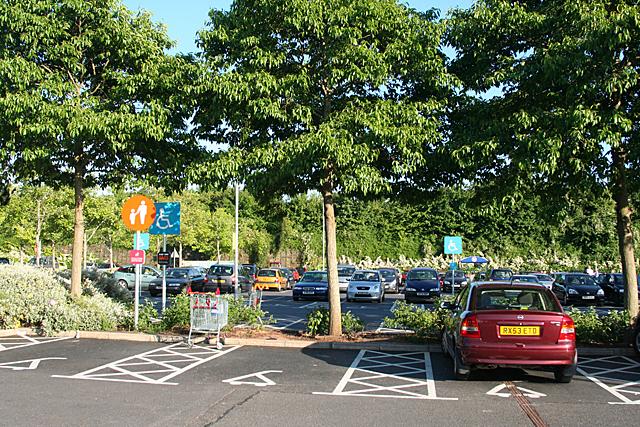 Exeter: at Sainsbury, Pinhoe Road