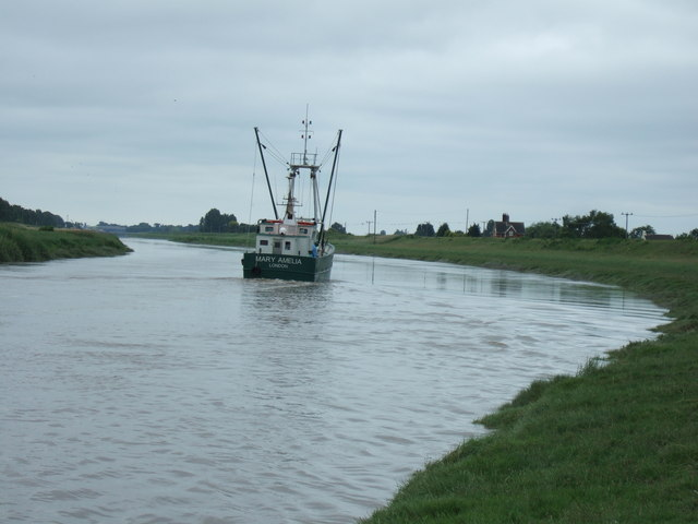 Fishing boat heading for Wisbech