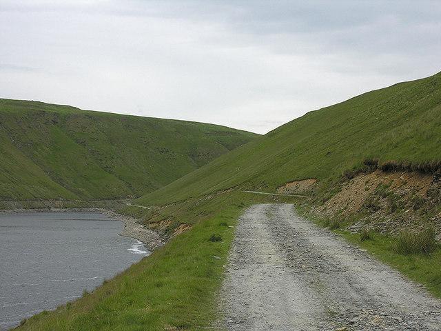 Track alongside Cefn Blaen-coel
