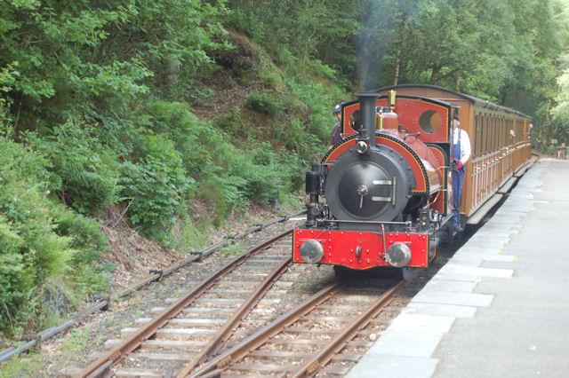 Train arriving at Abergynolwyn station