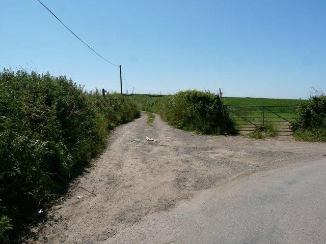 Long Lane which leads to Hannaburrow Lane