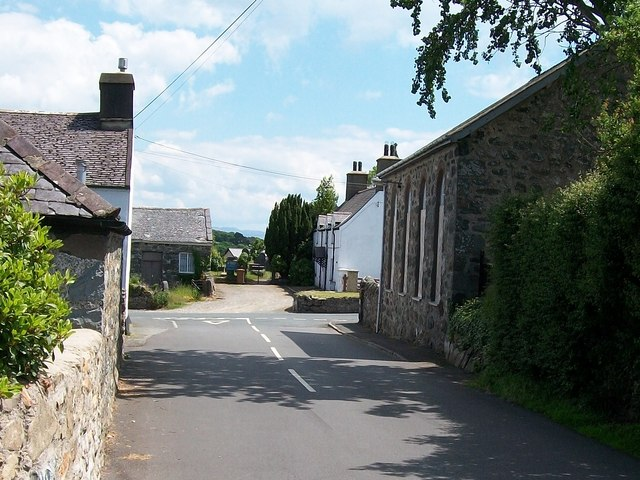 Approaching the road junction near Capel Ebenezer