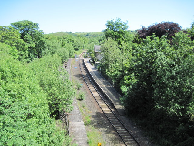 Sleights  Station  from  A169  road  bridge