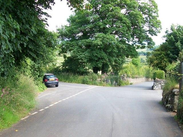 Minor junction at the top of the hill