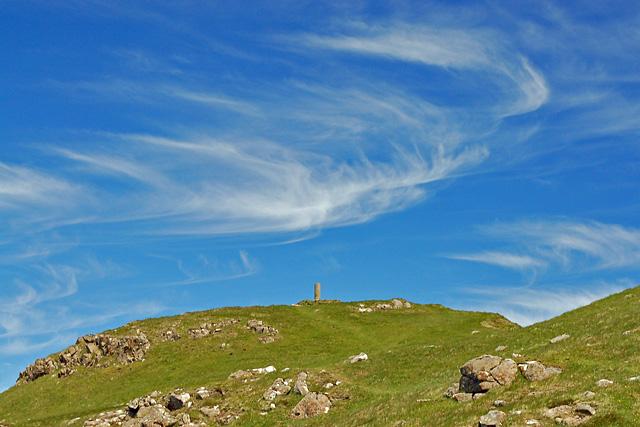Cirrus above Beinn Tianabhaig