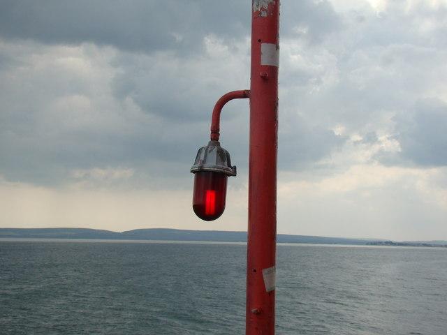 Pier warning beacon