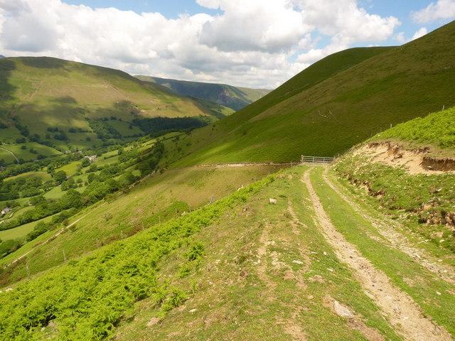 Hill track above Nant yr Onog