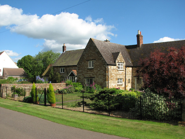 Teigh: cottages and gardens