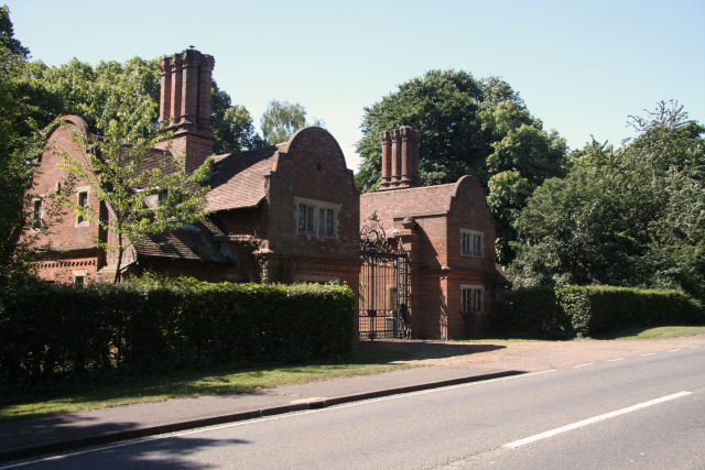 Lodges to Lanwades Hall