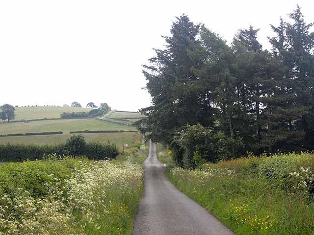 Road from Bettws-y-Crwyn to Dowke Hill