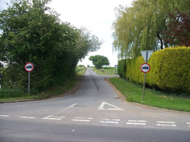 Road to Paxford