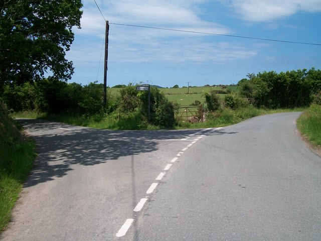 Minor road junction near Gorphwysfa