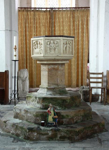 St Peter, West Lynn, Norfolk - Font