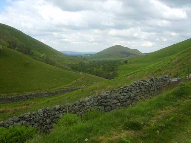Under Dufton Pike