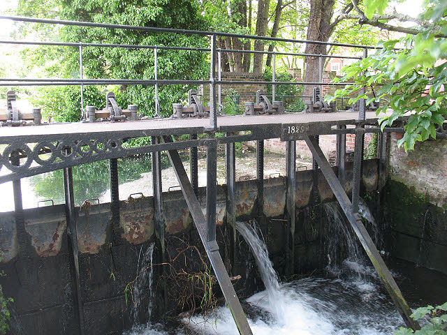 Sluice gates on the Great Stour at Abbot's Mill