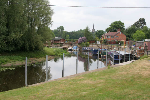 Flood moorings on the River Soar