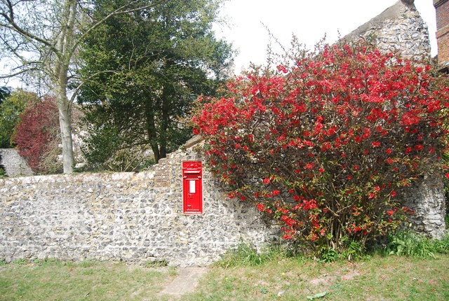 Postbox in a flint wall, Westdean