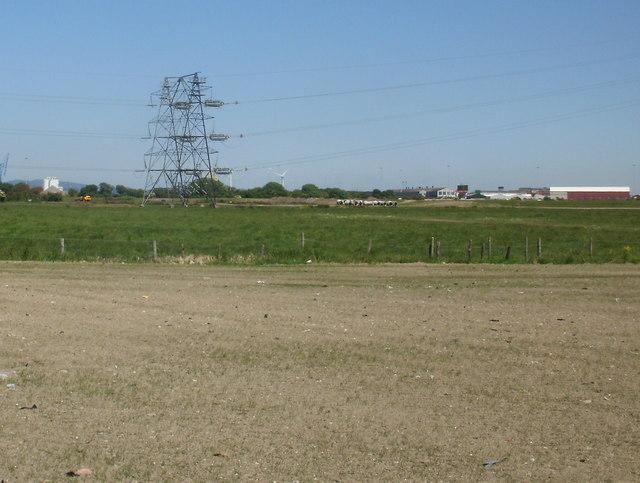 Double pylon, Wentlooge Levels