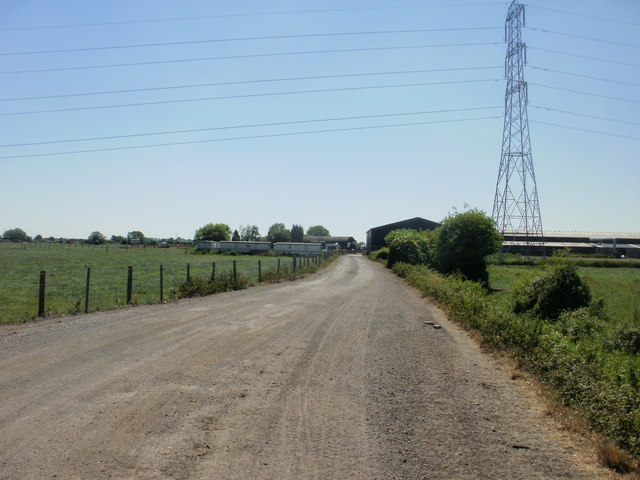 Entrance road to New Dairy Farm