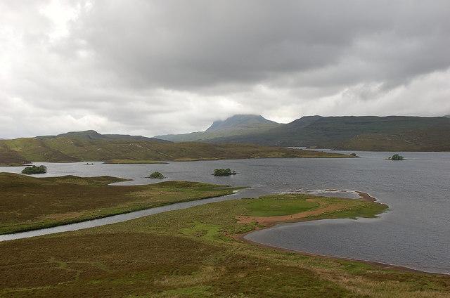 Ledmore River entering Cam Loch