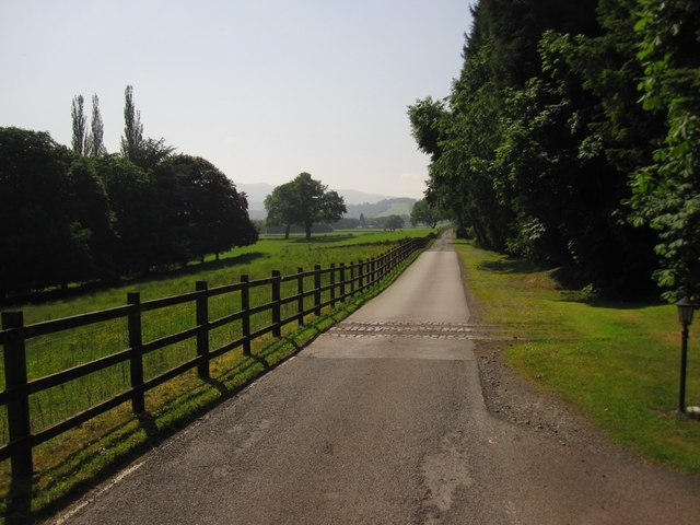 Llangoed Hall Hotel: the Drive
