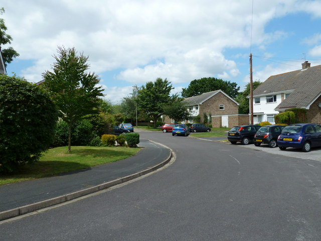 Bend in Markwell Close