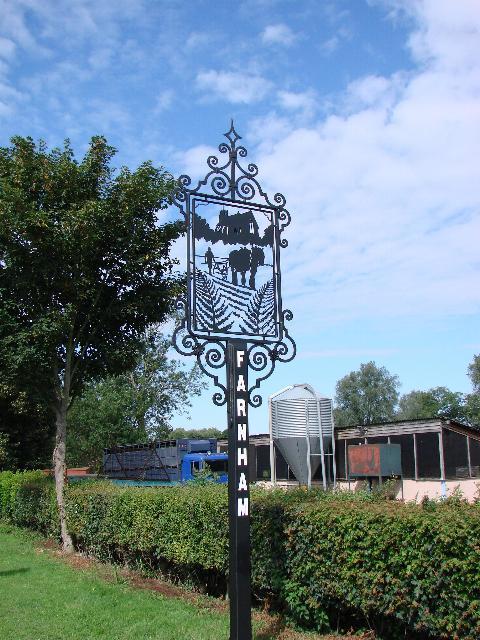 Farnham (Suffolk) Village sign