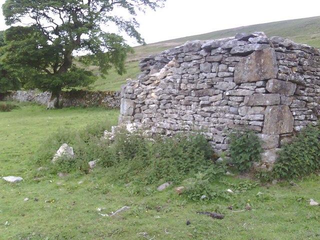 Barn near Fea Fow
